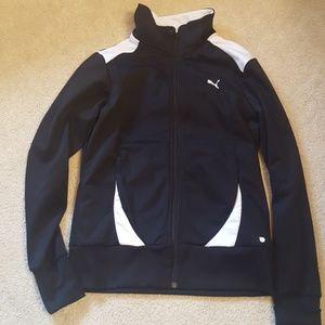 puma zip up jacket size boys med